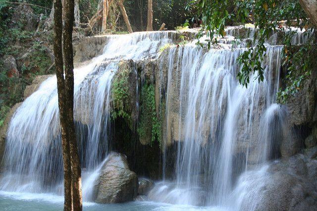Viajar a Tailandia. Cascada Kanchanaburi.