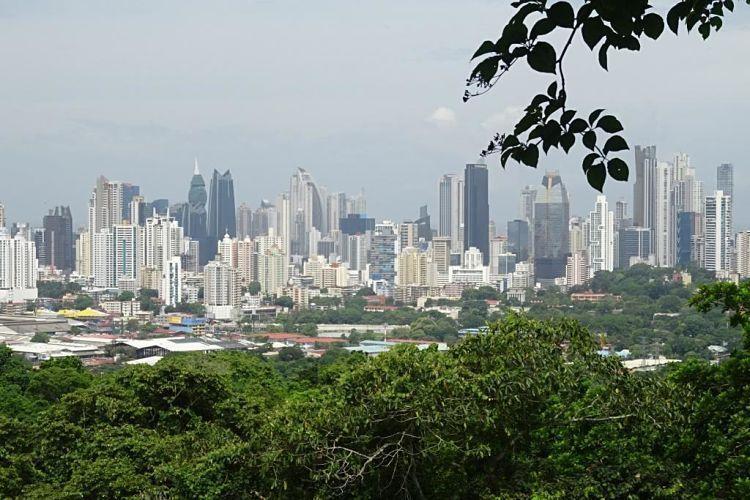 Panamá y Costa Rica. Panamá City Skyline