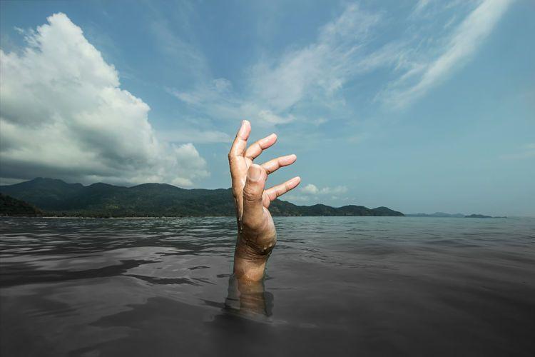 Sobrevivir en la selva. Peligro de ahogarse.