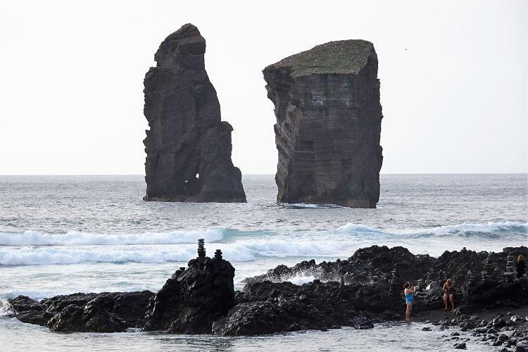 Azores. Las rocas de Mosterios