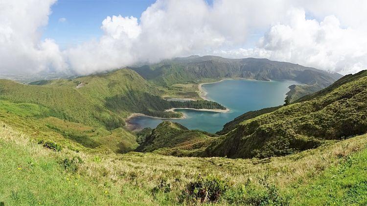 Azores. Lagoa de Fogo (Sao Miguel)