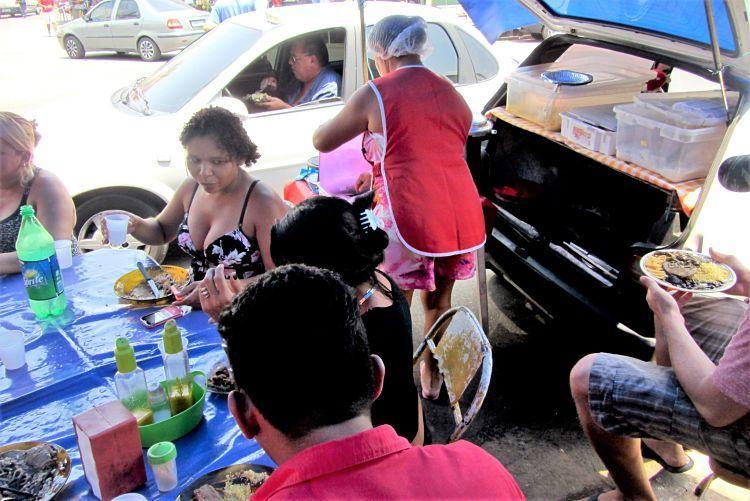 Comida rápida en las calles de Manaos