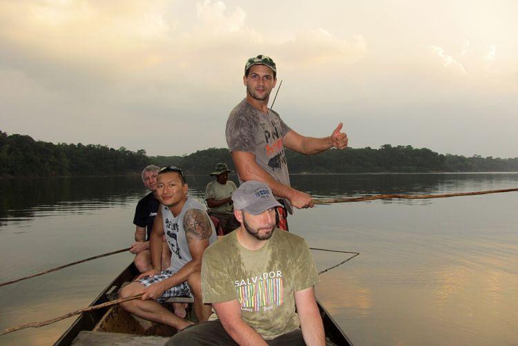 Pescando pirañas cerca de Manaos