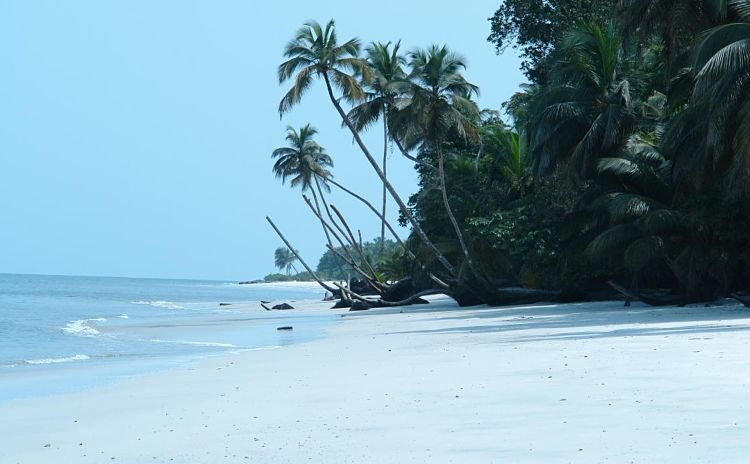 Playa de la isla Corisco. En Guinea Ecuatorial