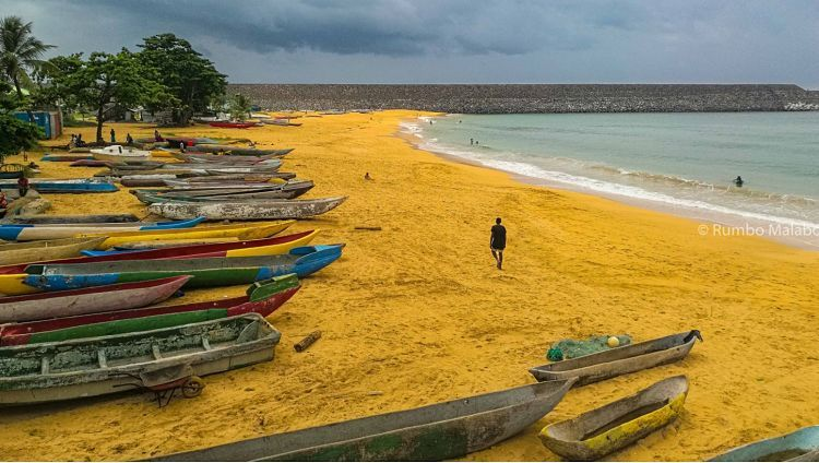 Playa de Palé. En la isla de Annobón.