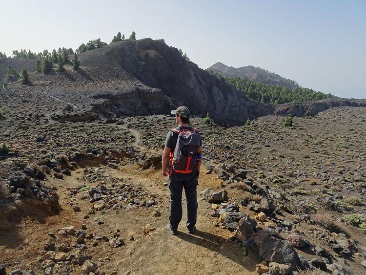 Cráter de Hoyo Negro. Ruta de los volcanes